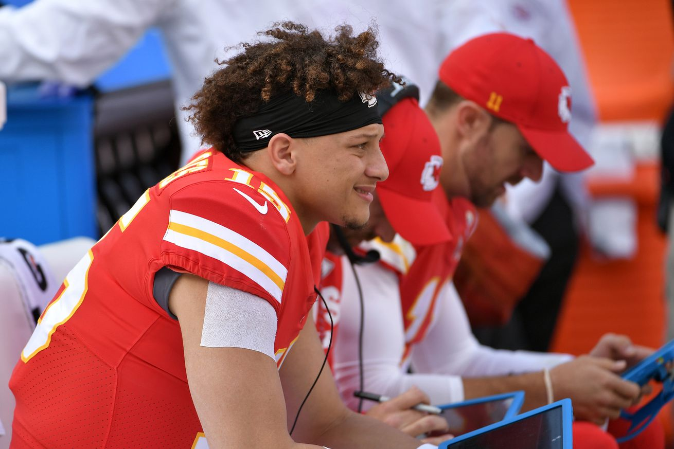 For Patrick Mahomes Tuesday Was All About The Hair 104 7