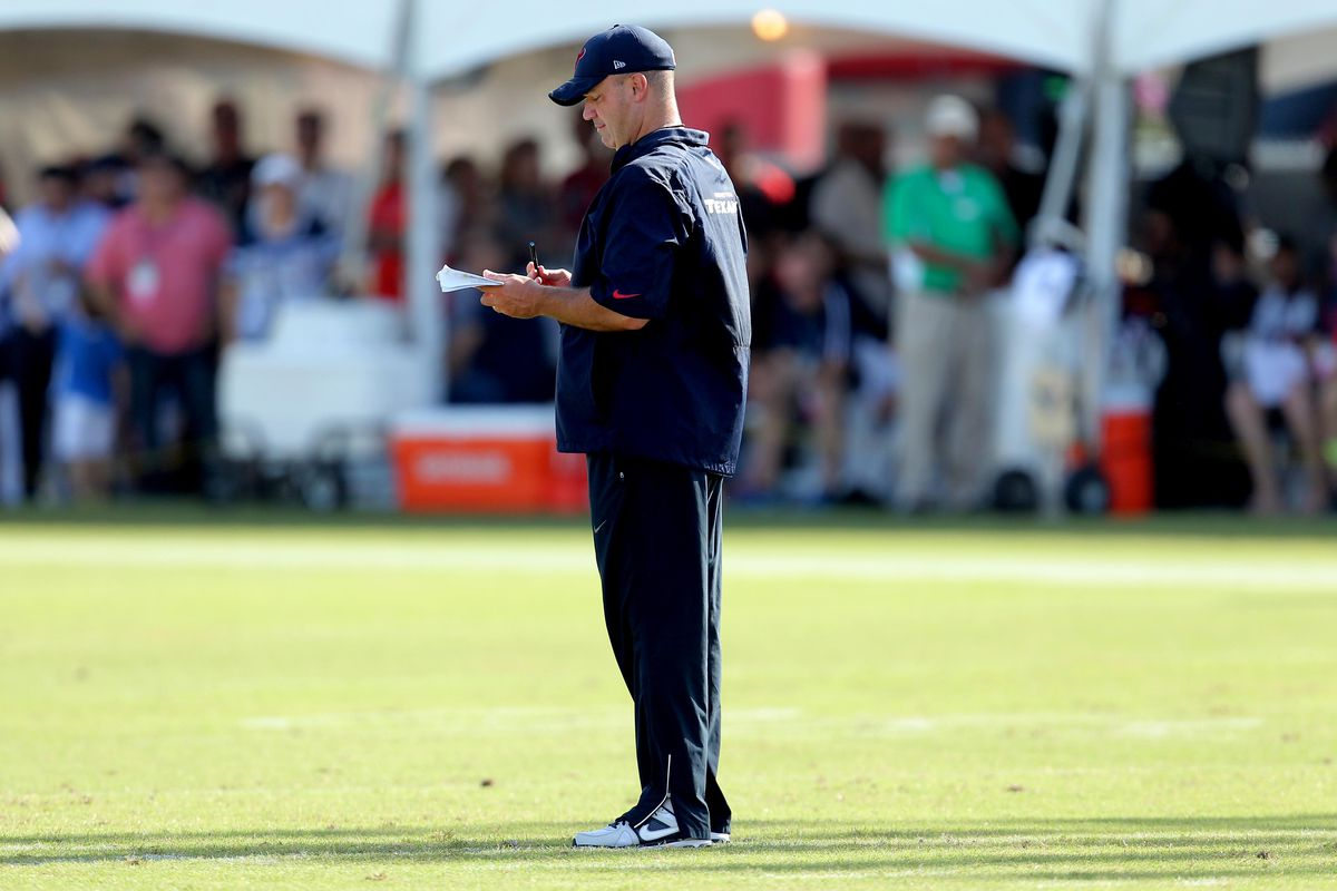 Coach Bill O'Brien evaluates players at Texans Training Camp