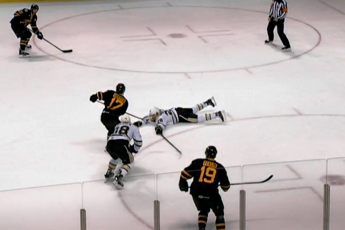 Seth Griffith gives a pass to Max Talbot in their eventual 3-2 overtime loss