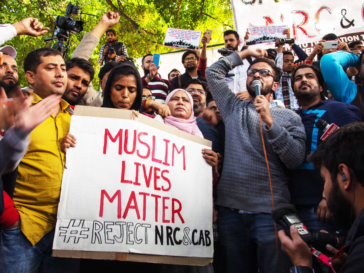 India's students protest citizenship law that excludes Muslims - Vox