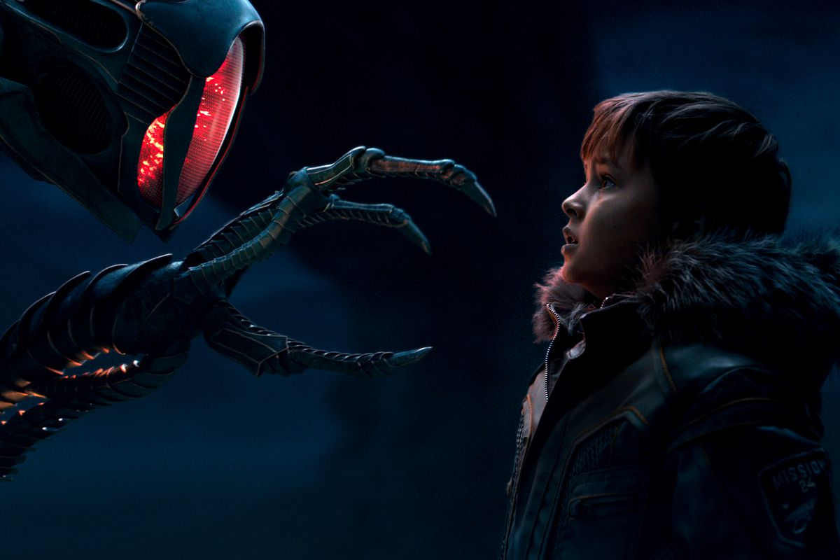 Lost in Space review: Netflix's mediocre remake, explained in 1