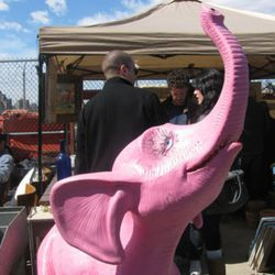 Avant-circus: Hot new decorating trend at the Brooklyn Flea.