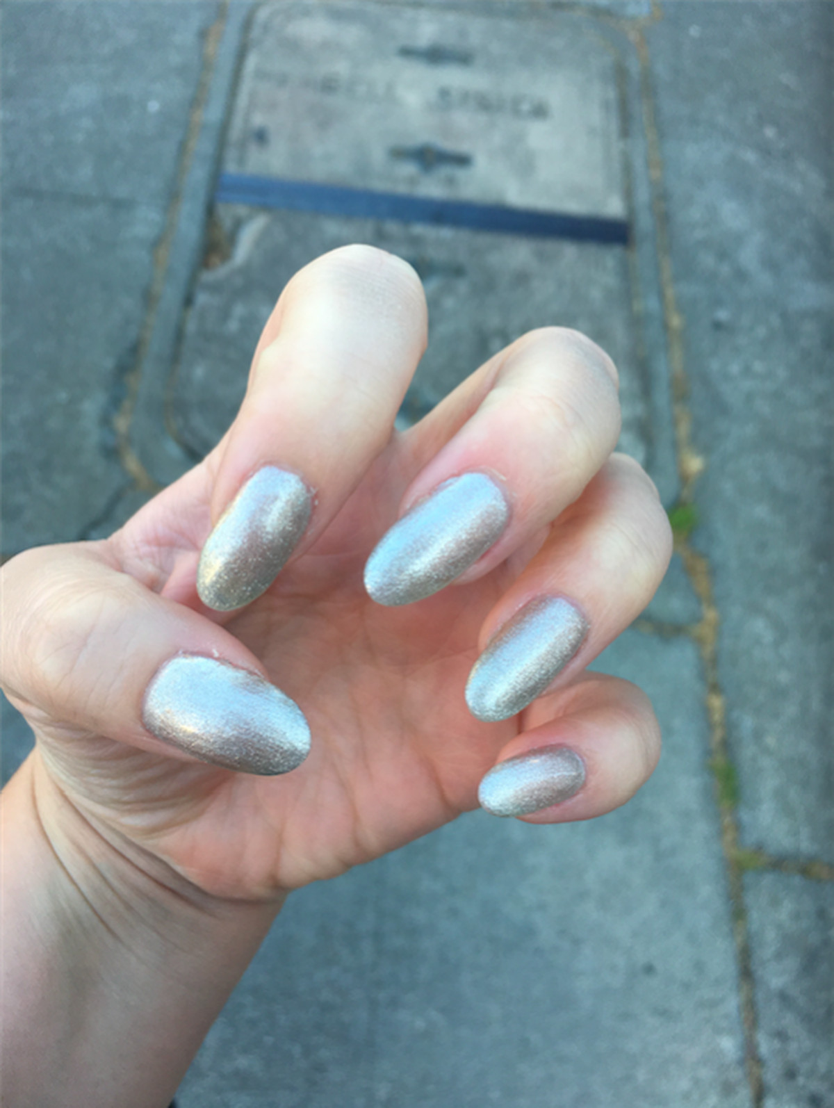 Gels vs. Acrylics: What\'s the Difference Between Fake Nails? - Racked