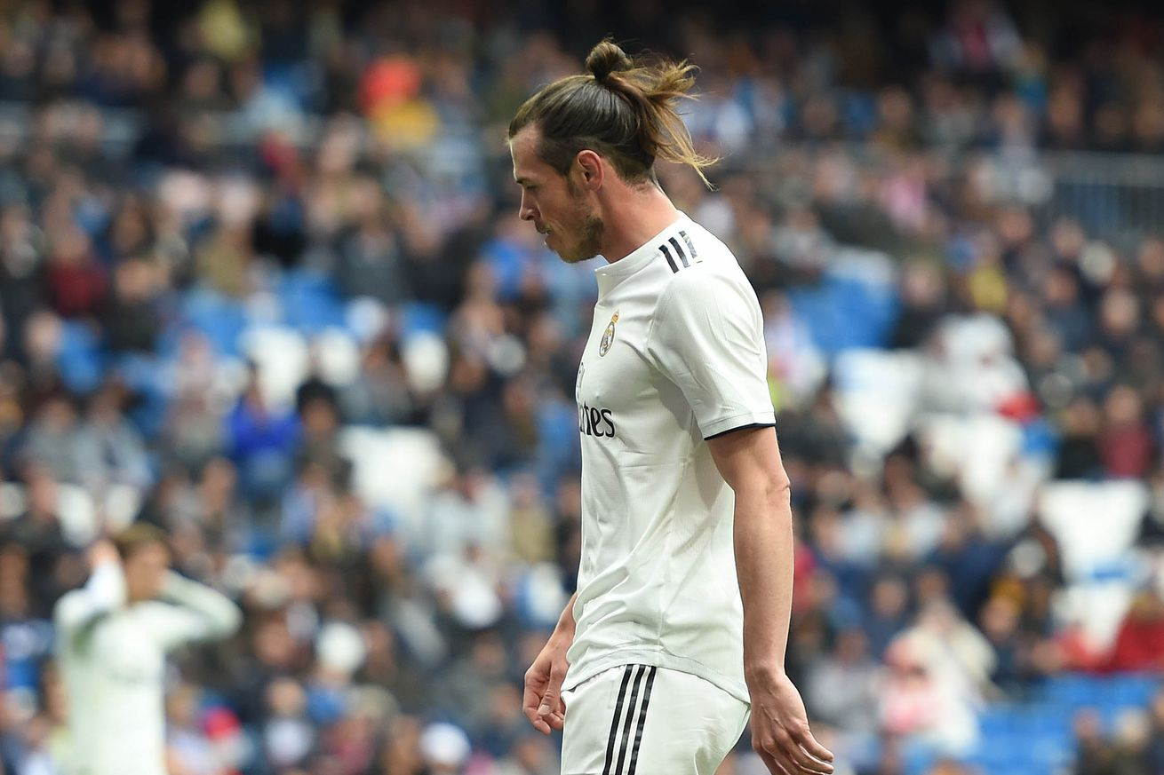 Bale tells Real Madrid he wants to stay in the club -report