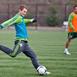 Eriq Zavaleta clears the ball