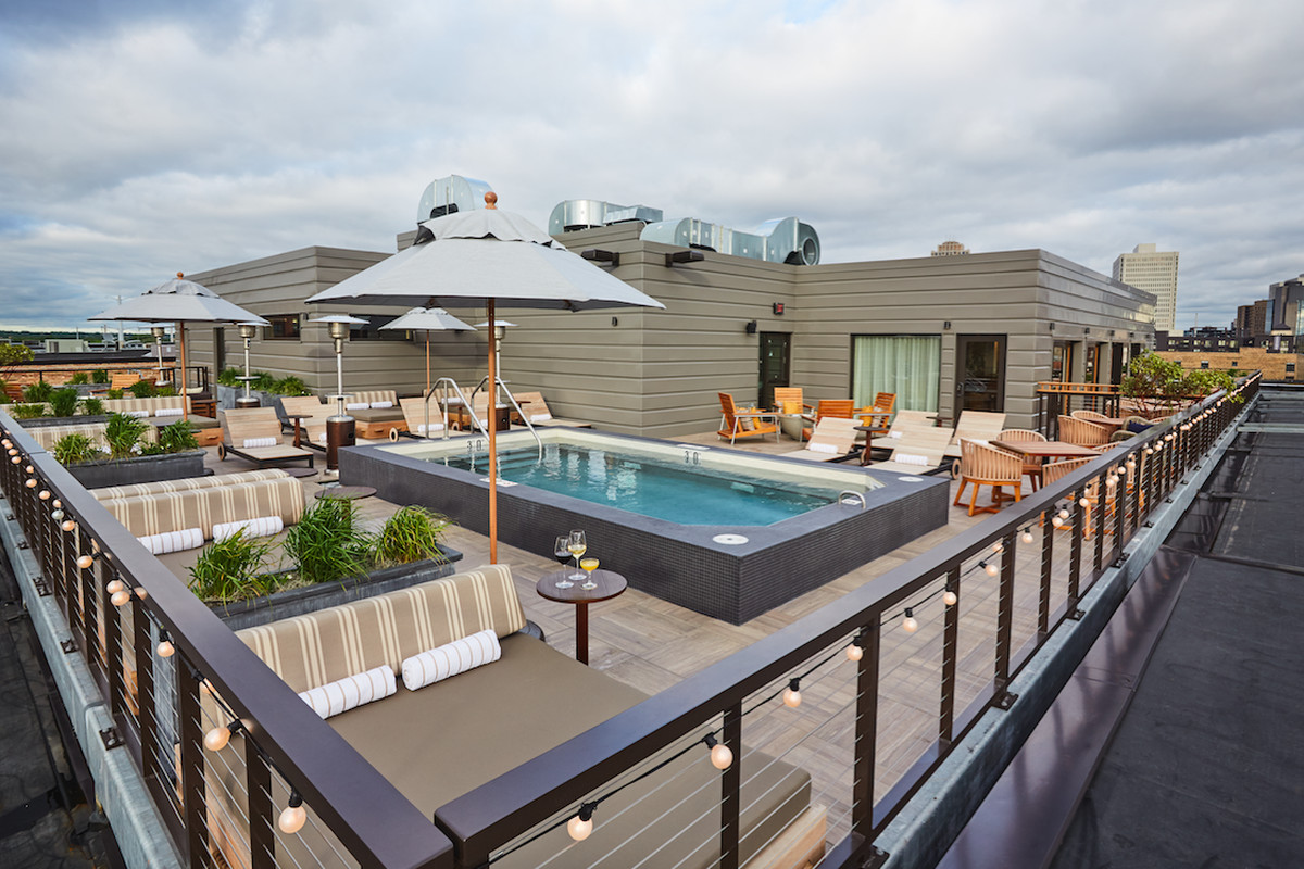 North Loop S Most Exclusive Hotel Rooftop Finally Opens To