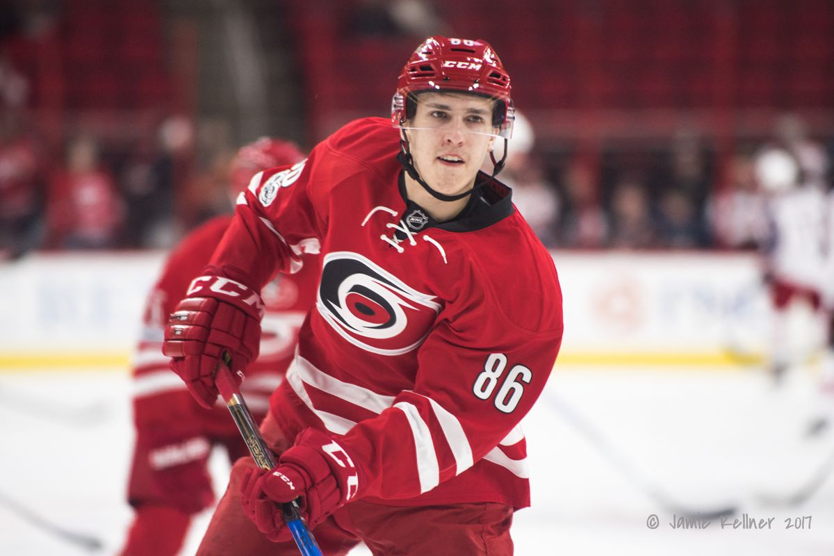 Canes sign Teravainen to 2-year contract