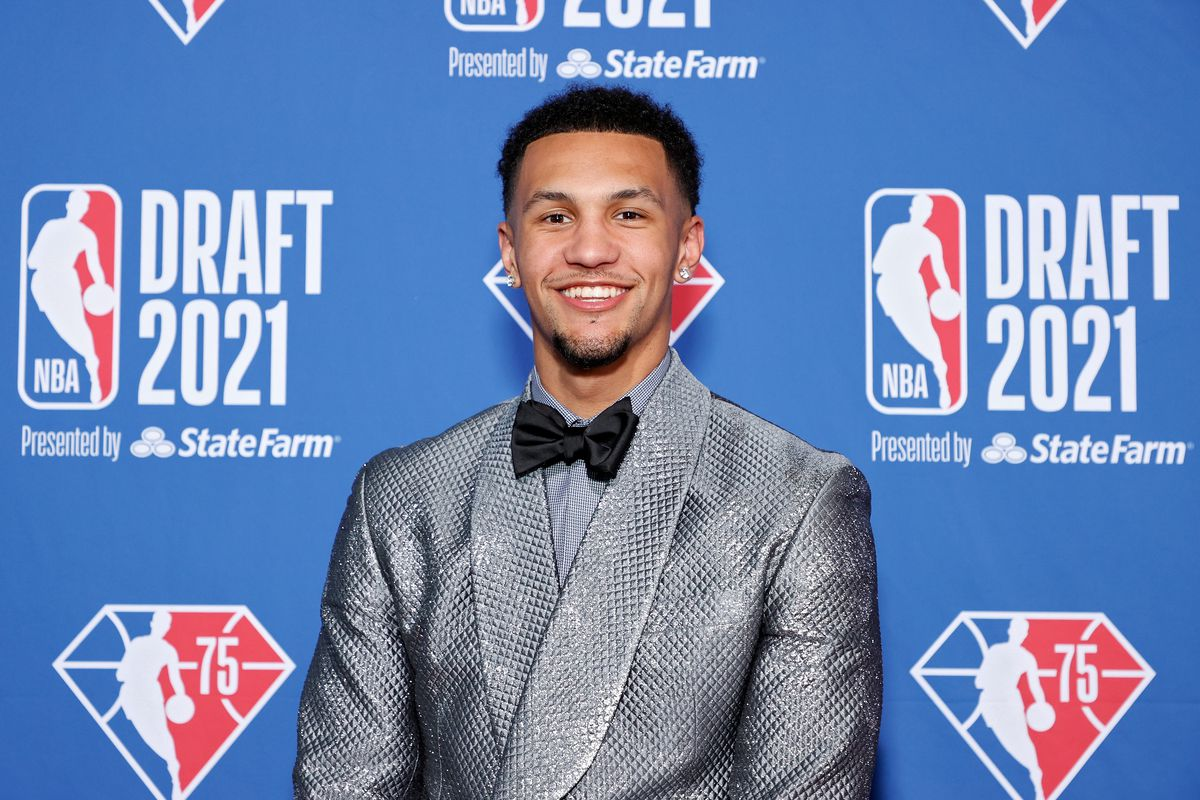 Jalen Suggs poses for photos on the red carpet during the 2021 NBA Draft at the Barclays Center on July 29, 2021 in New York City.