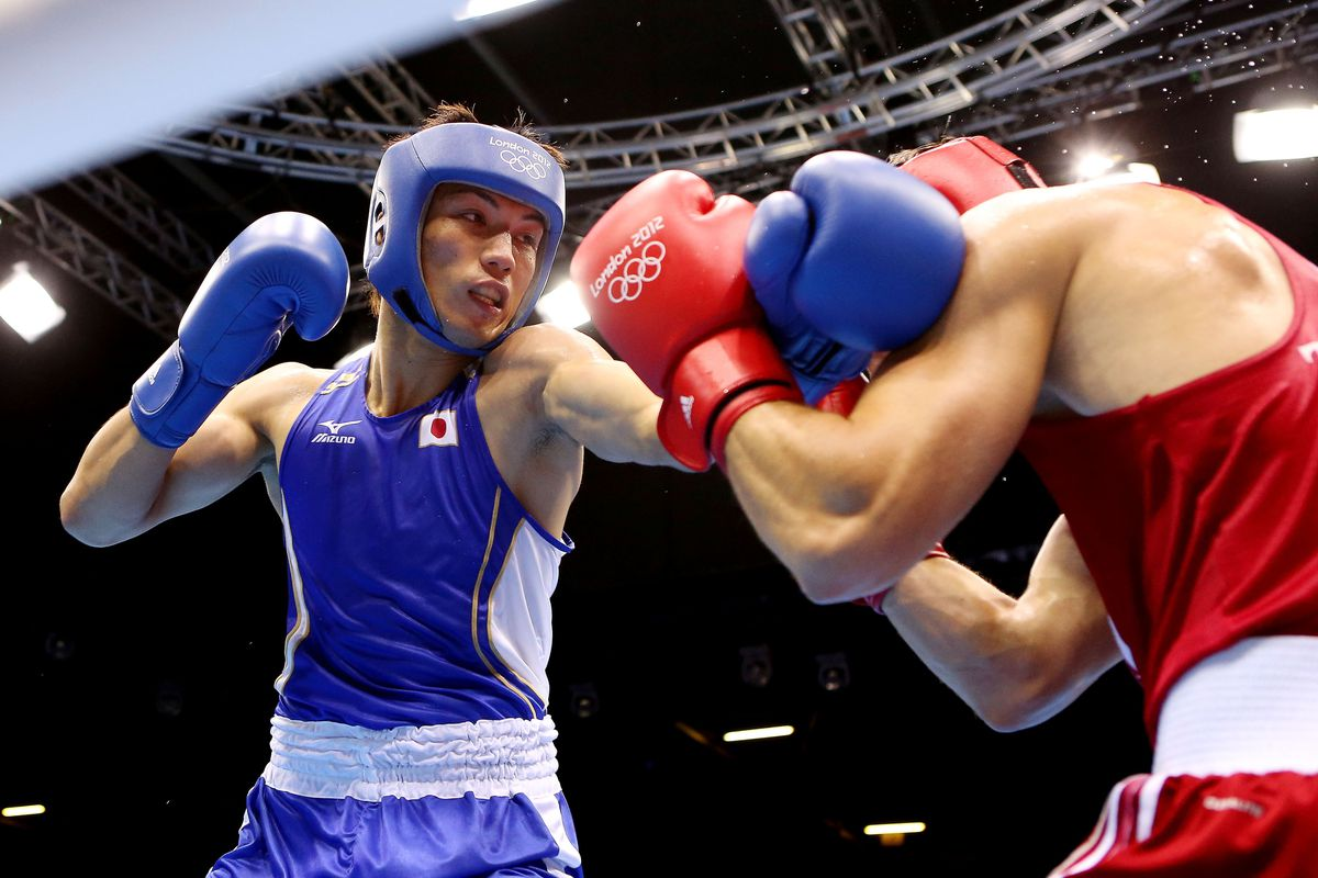 Japan's Ryota Murata defeated Brazil's Esquiva Falcao for middleweight gold in London. (Photo by Scott Heavey/Getty Images)
