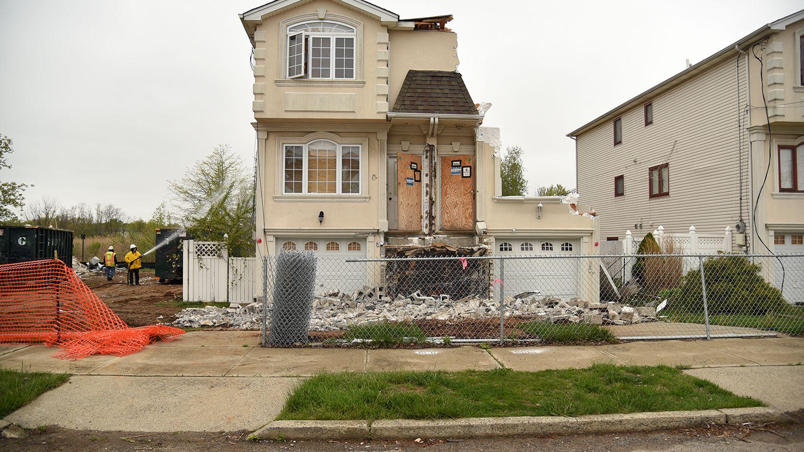 staten island neighborhoods damaged by hurricane sandy may