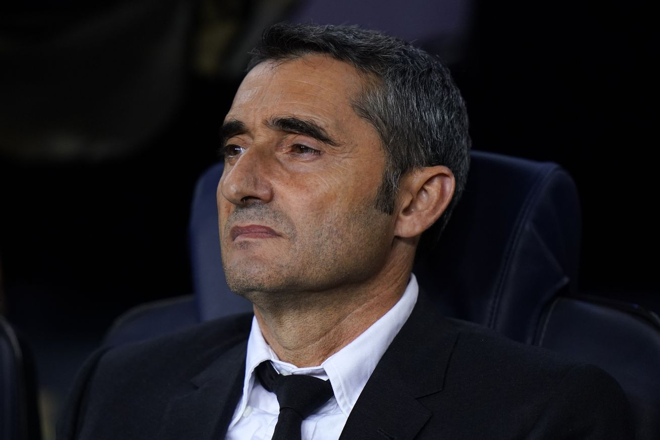 Barcelona board back Valverde but patience running thin - report