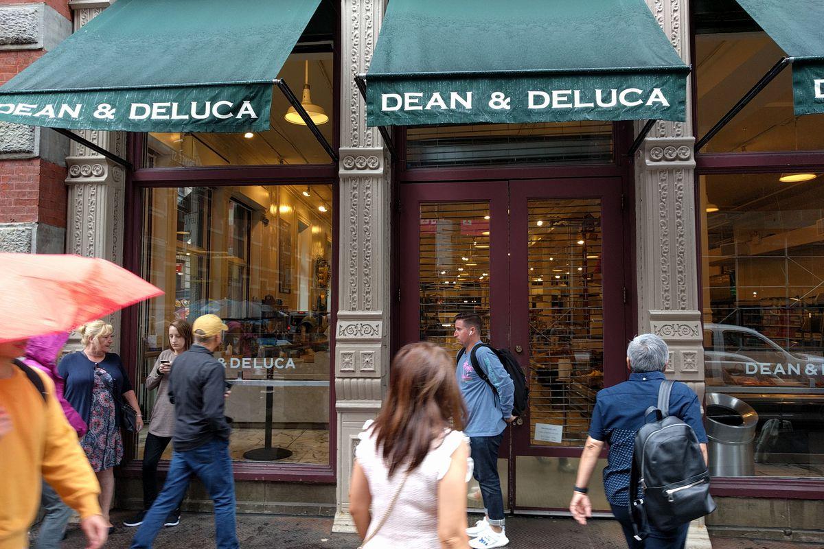 A closed Dean & DeLuca store