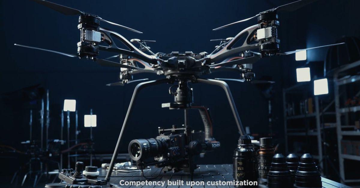 DJI Storm drone นั้นล้ำหน้าไปมากมันมาพร้อมกับรถตู้และลูกเรือของตัวเอง thumbnail