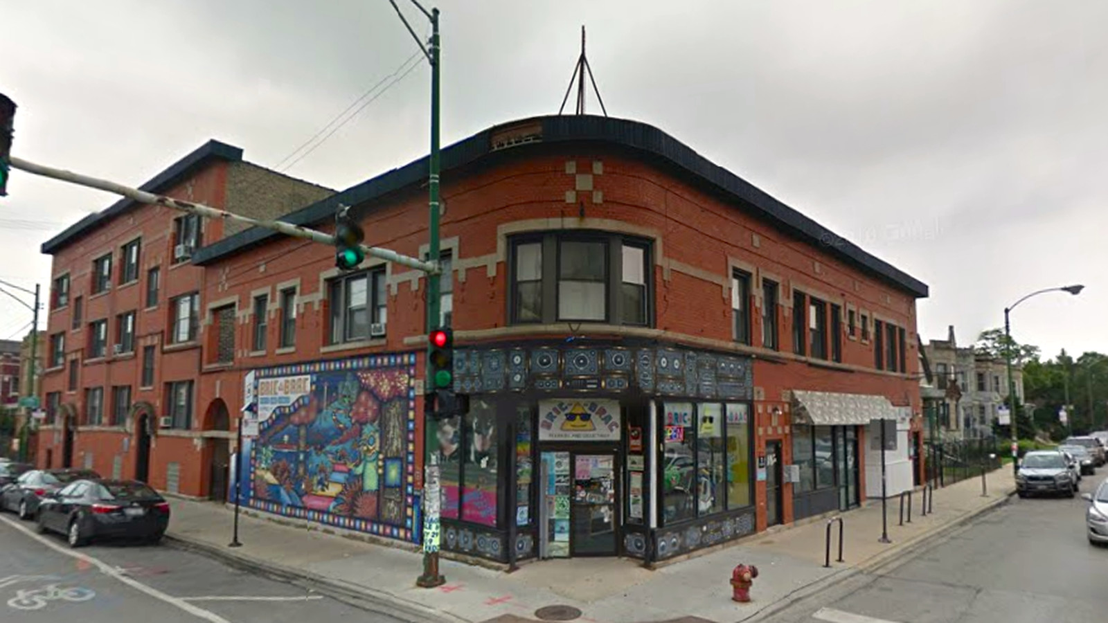rent an apartment above logan square s bric a brac records for