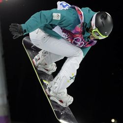 Australia's Torah Bright competes to win the silver medal in the women's snowboard halfpipe, at the Rosa Khutor Extreme Park, at the 2014 Winter Olympics, Wednesday, Feb. 12, 2014, in Krasnaya Polyana, Russia. (AP Photo/Andy Wong)