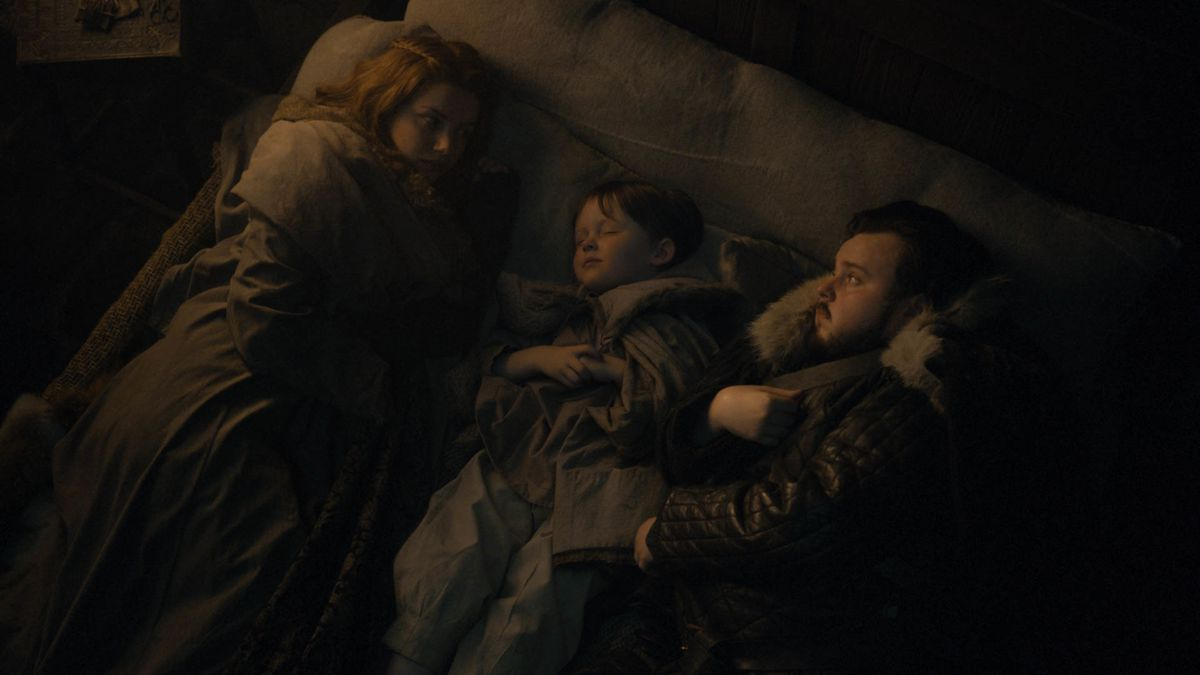Game of Thrones season 8 episode 2 - Gilly, Little Sam, and Sam in bed