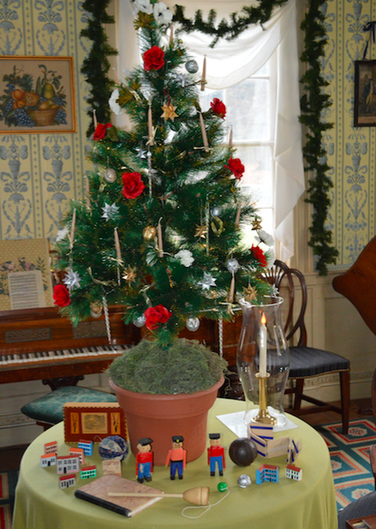 How Christmas decorations evolved through the 1800s - Curbed