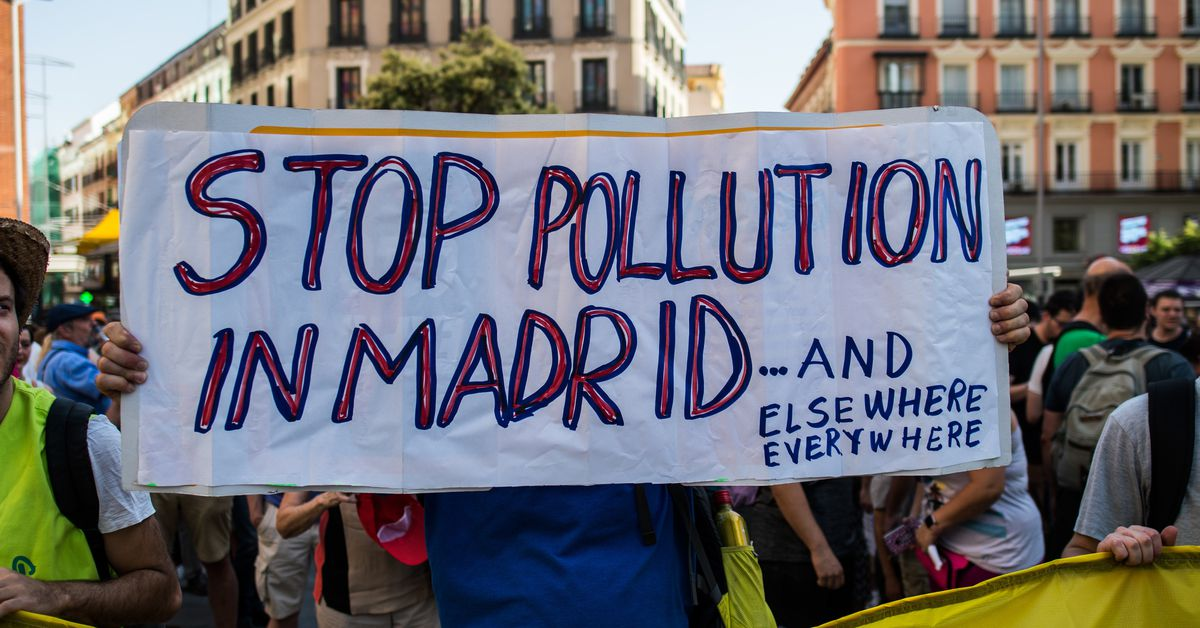 Madrid's mayor halts low-emissions zone that reduced traffic and pollution