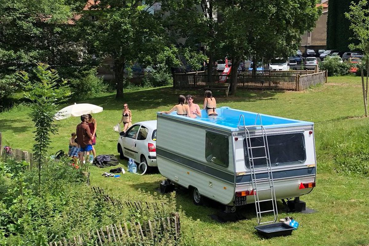 Mobile Pool camper trailer turned into mobile swimming poolbenedetto