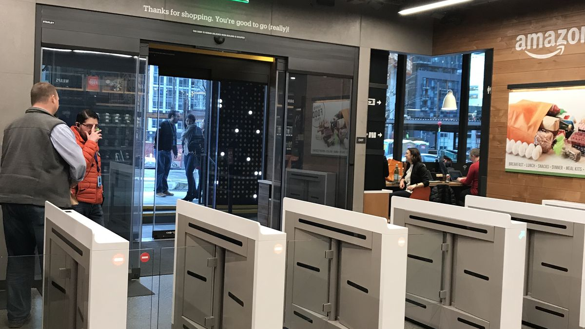 Amazon Go Photos Here S What The New Cashierless Convenience