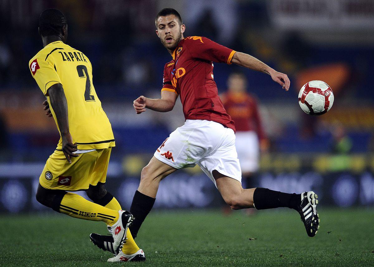 AS Roma's french forward Jeremy Menez (R