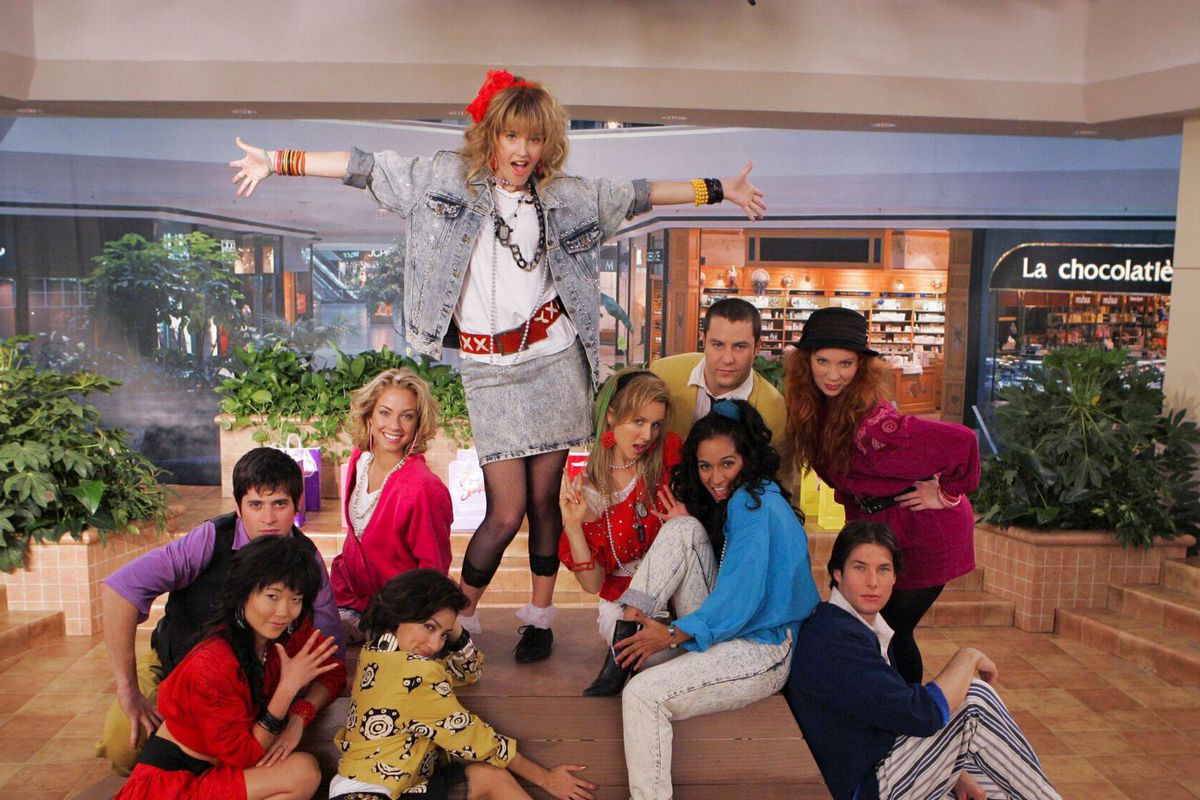 robin sparkles and her friends