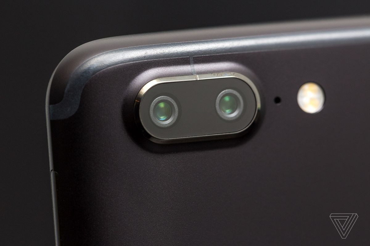 Oneplus 5t Review Polished To A T The Verge Tiny Efficient High Power Led Camera Flash Solutions For Cell Phone My 5 Read Lot Like This Up Point Good Design Display With Couple Of Small Critiques
