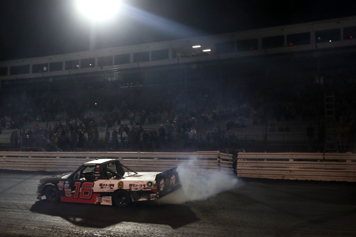 NASCAR Camping World Truck Series Corn Belt 150 presented by Premier Chevy Dealers