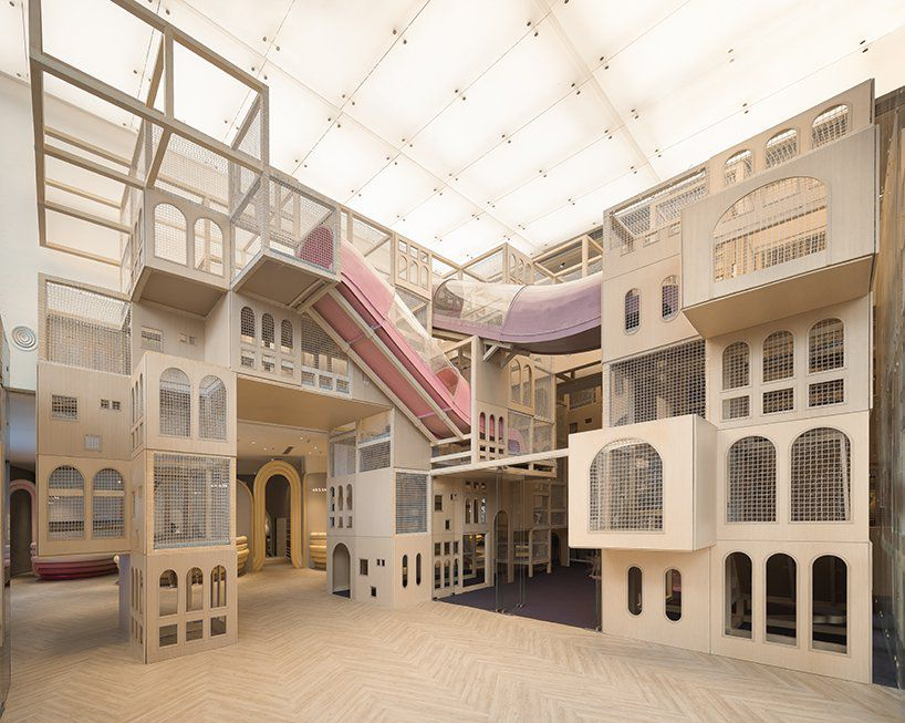 Play castle with slides and climbing gym