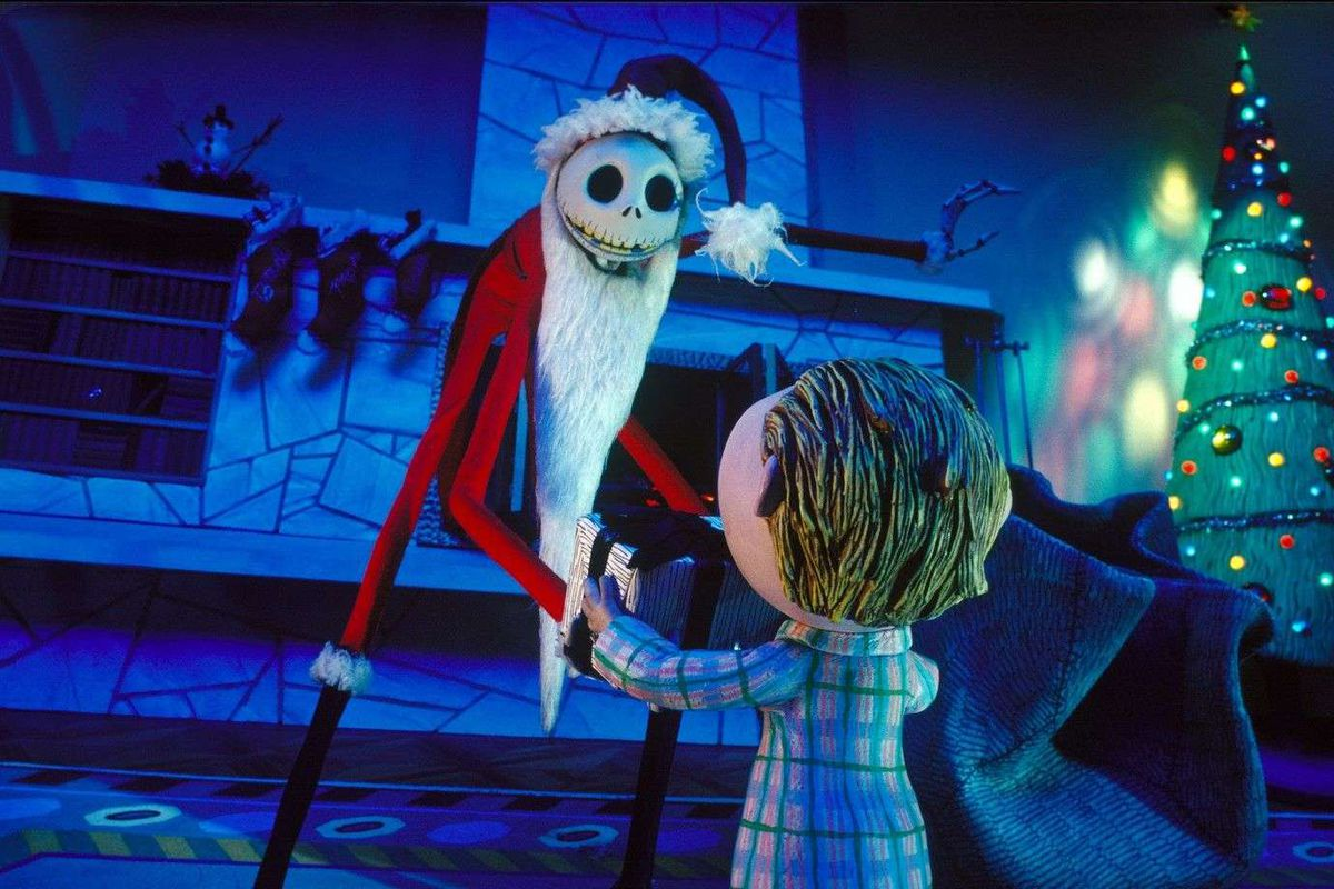 touchstone picturesdisney - The Case For Christmas
