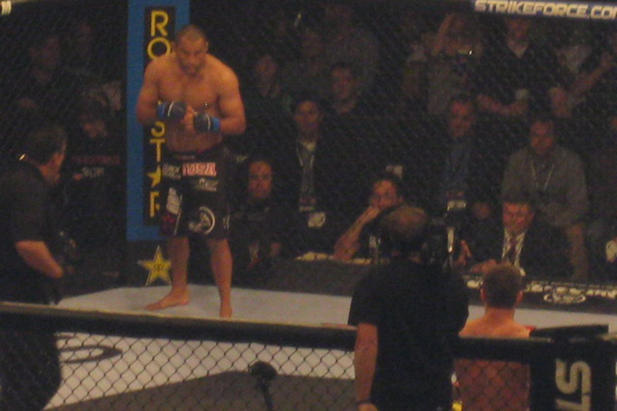 Poor quality photo courtesy of yours truly. In reality, Shields and Henderson did not fight in a poorly lit cave.