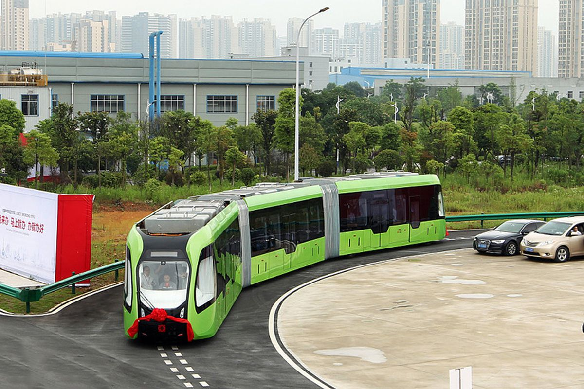 Chinese self-driving train runs along painted lines instead of a ...