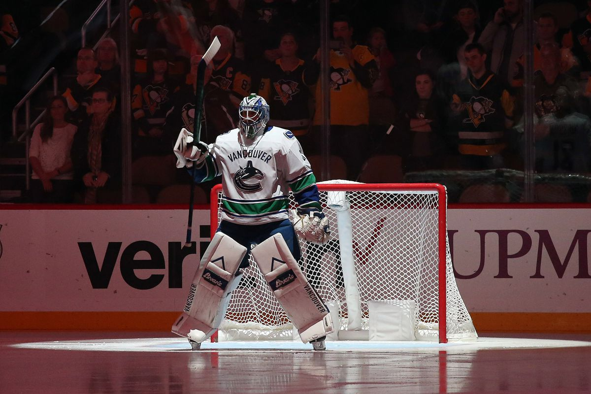 b546c25bdc6 Oct 16, 2018; Pittsburgh, PA, USA; Vancouver Canucks goaltender Anders  Nilsson (31) prepares to play the Pittsburgh Penguins during the first  period at PPG ...