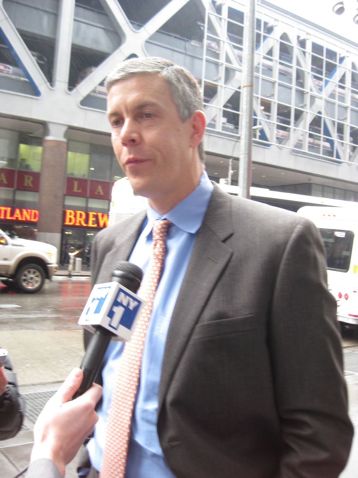 U.S. Secretary of Education Arne Duncan praised the agreement between the State Education Department and NYSUT.