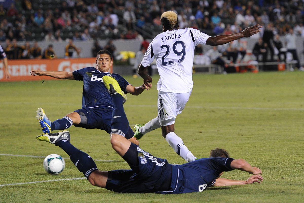 This is an attempt on goal by Gyasi Zardes. You can't see the goal, cause it's behind him. But he's gonna score.
