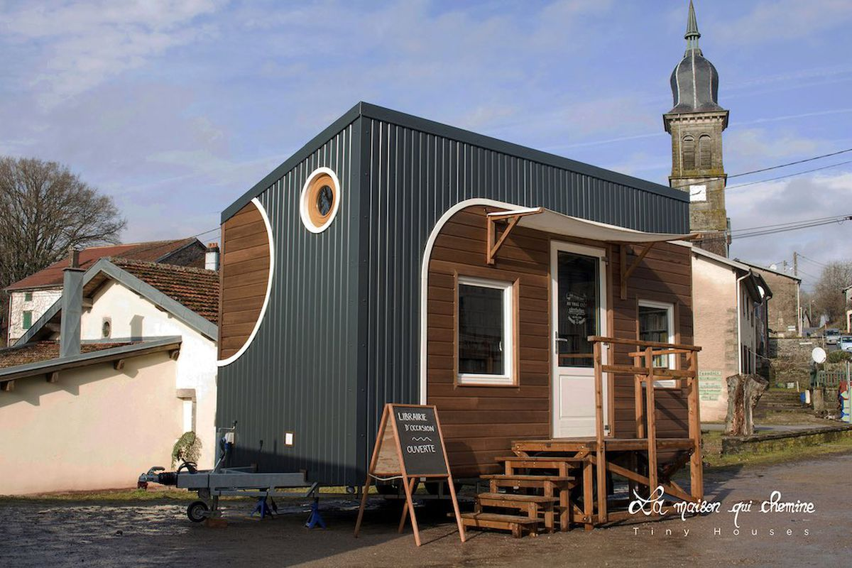Tiny House Book Will Travel Around France