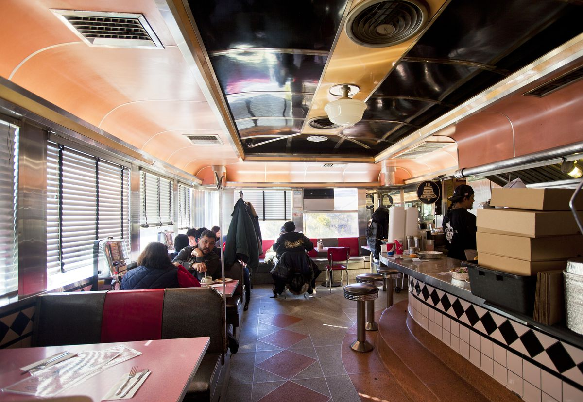 8 NYC Diners That Still Maintain an Old-School Look - Eater NY