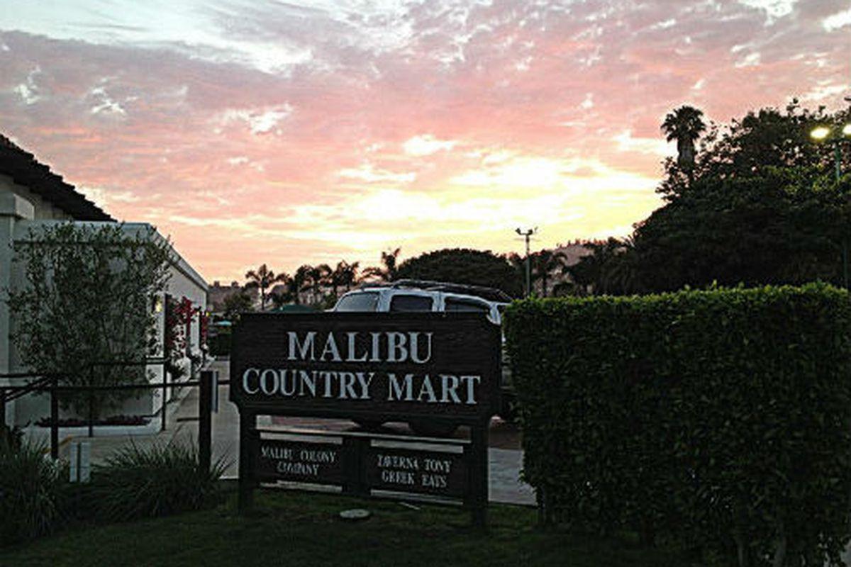 "Image via Malibu Country Mart/<a href=""https://www.facebook.com/MalibuCountryMart/photos/a.10153046058185721.1073741839.160842045720/10153046063770721/?type=3&amp;theater"">Facebook</a>"