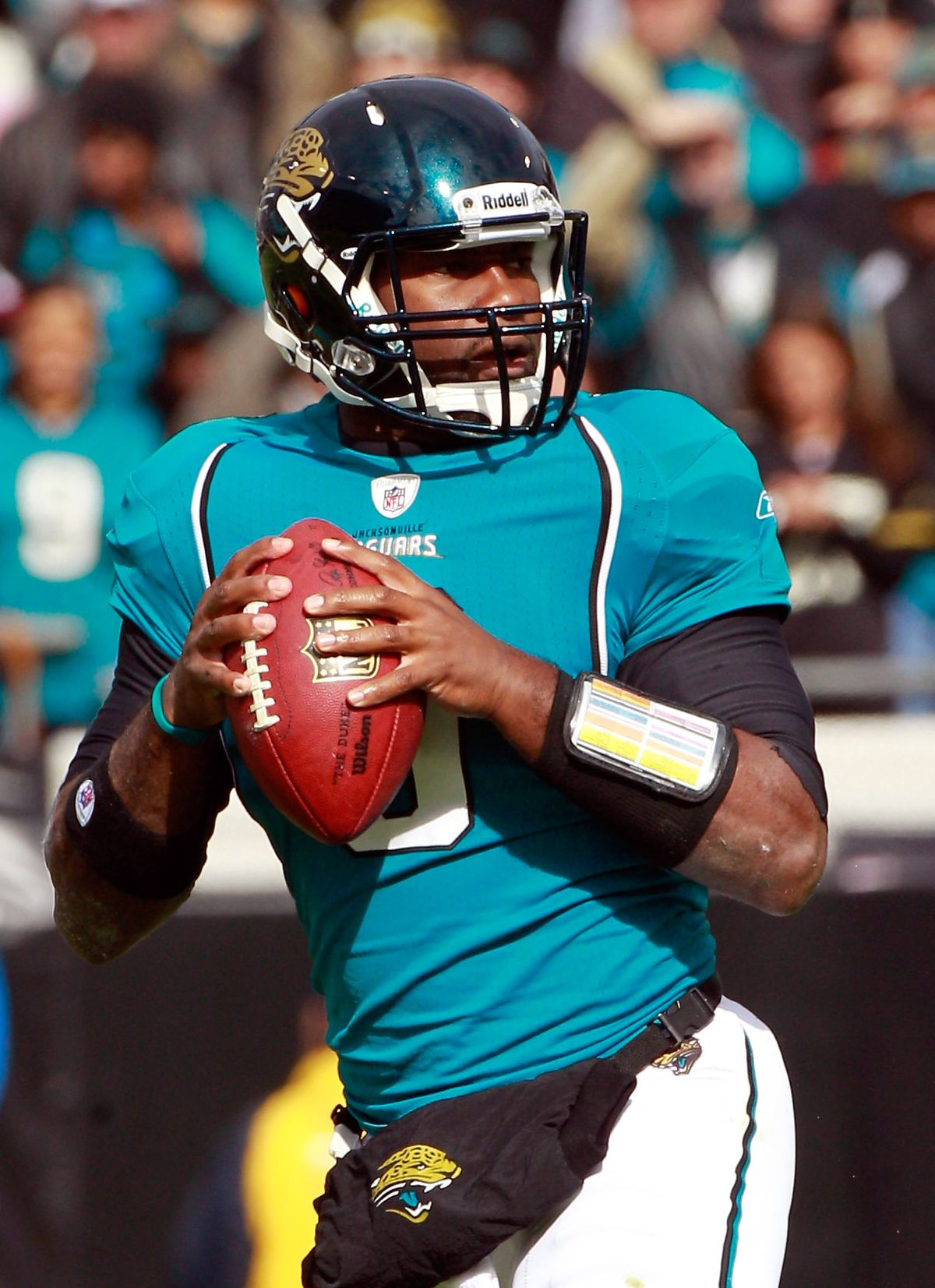 6e1f0bdca6c The Jaguars Are Finally Ditching Their Monstrous Two-Toned Helmets ...