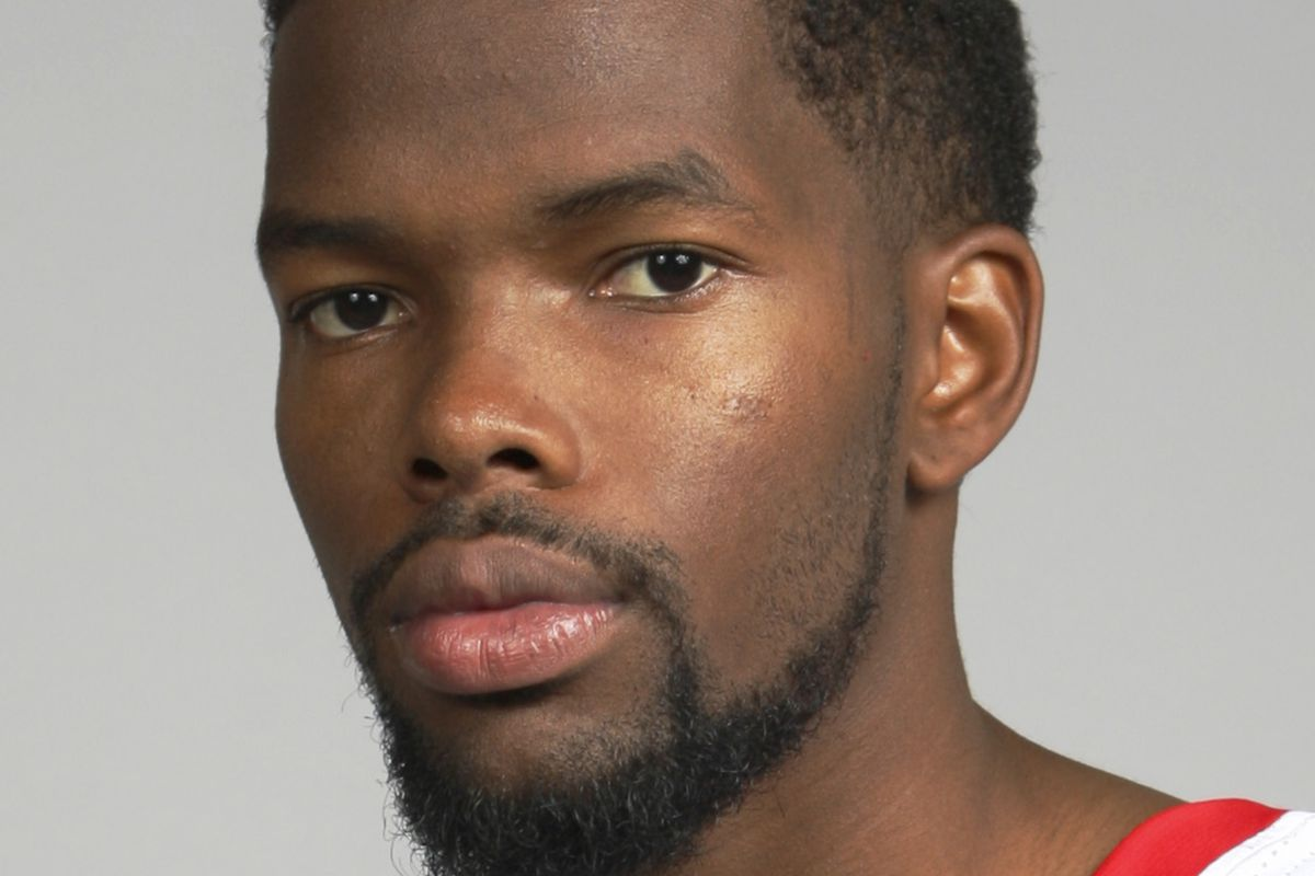 The top of his head is red. That's all you need to know about Aaron Brooks' commitment to the Rockets.