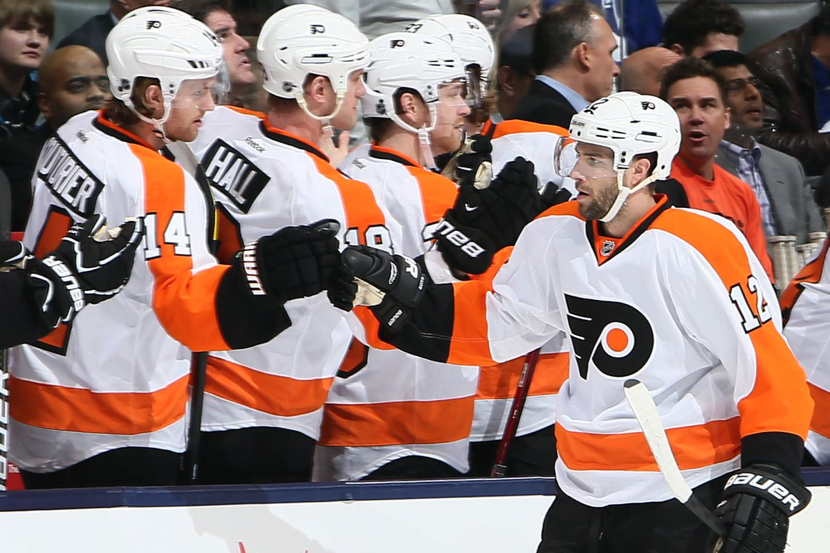 Simon Gagne will take less money to stay with Flyers - SBNation.com 29d9a03b8