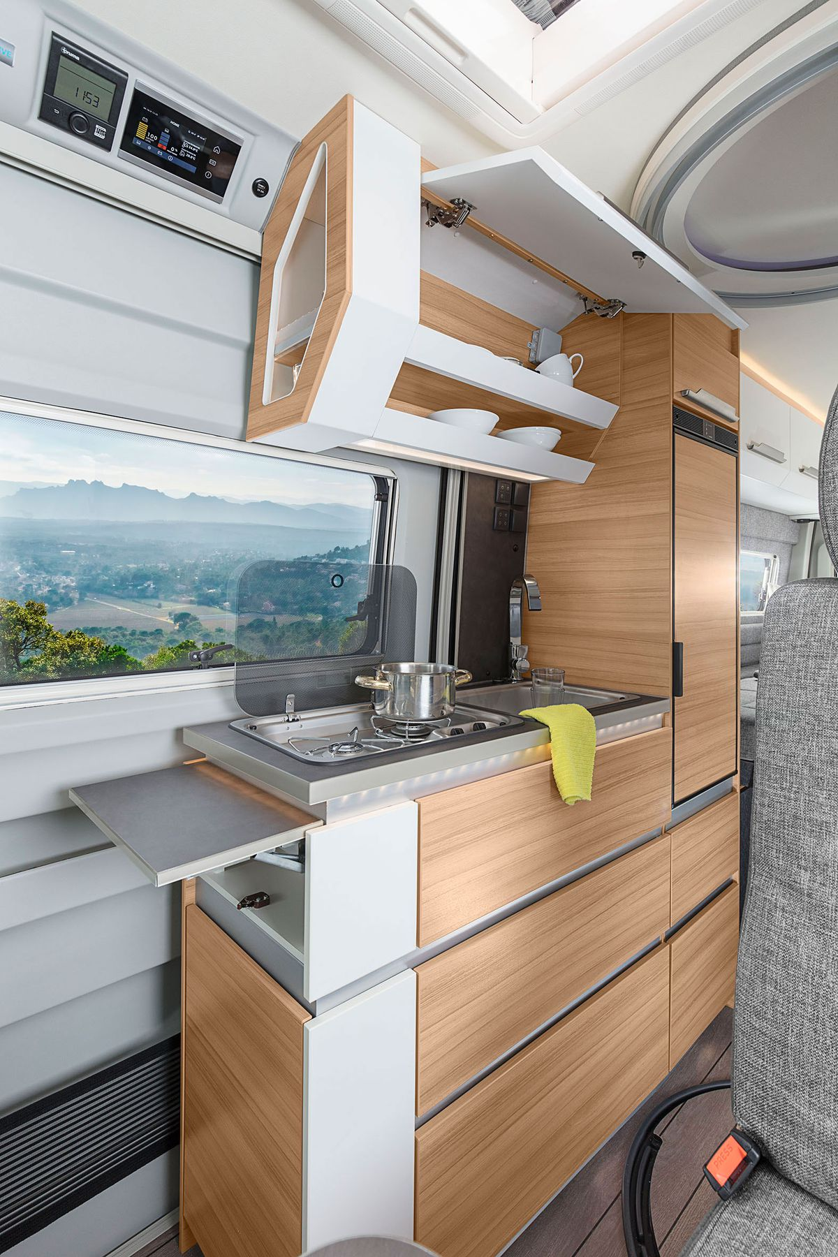 Knaus Boxdrive camper uses folding bed and wet bath to maximize ...