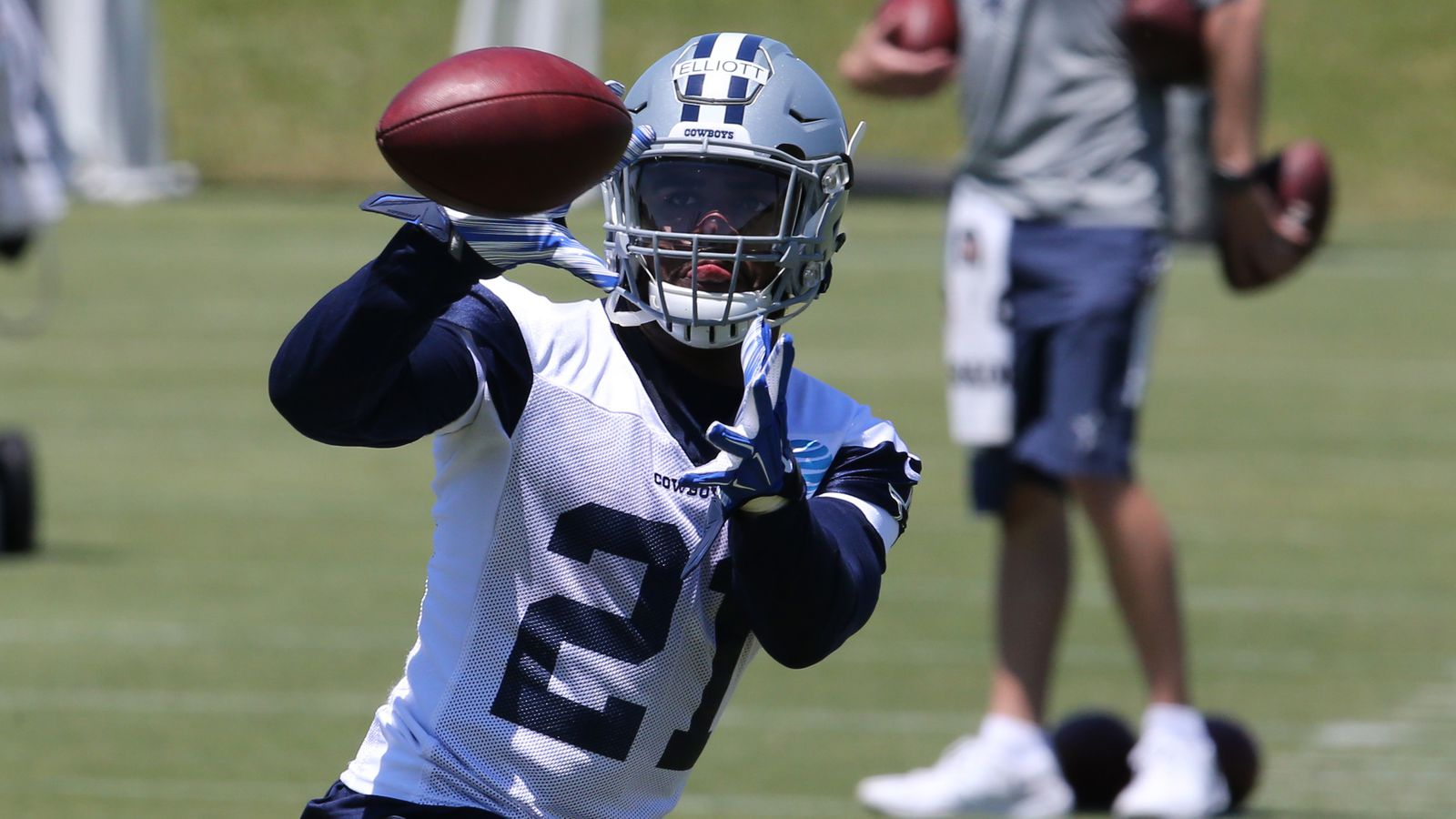 #Cowboys #News: #EzekielElliott signs rookie contract, #Cowboys lead charge to return NFL to rushing past #CowboysNation
