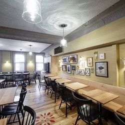 """<a href=""""http://ny.eater.com/archives/2012/02/back_forty_west_now_open_for_lunch_in_old_savoy_space.php"""">NYC: <strong>Back Forty West</strong> Now Open</a>"""