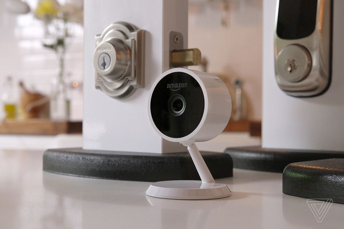 Amazon key is a new service that lets couriers unlock your front the amazon cloud cam and compatible locks photo by becca farsace the verge solutioingenieria Gallery