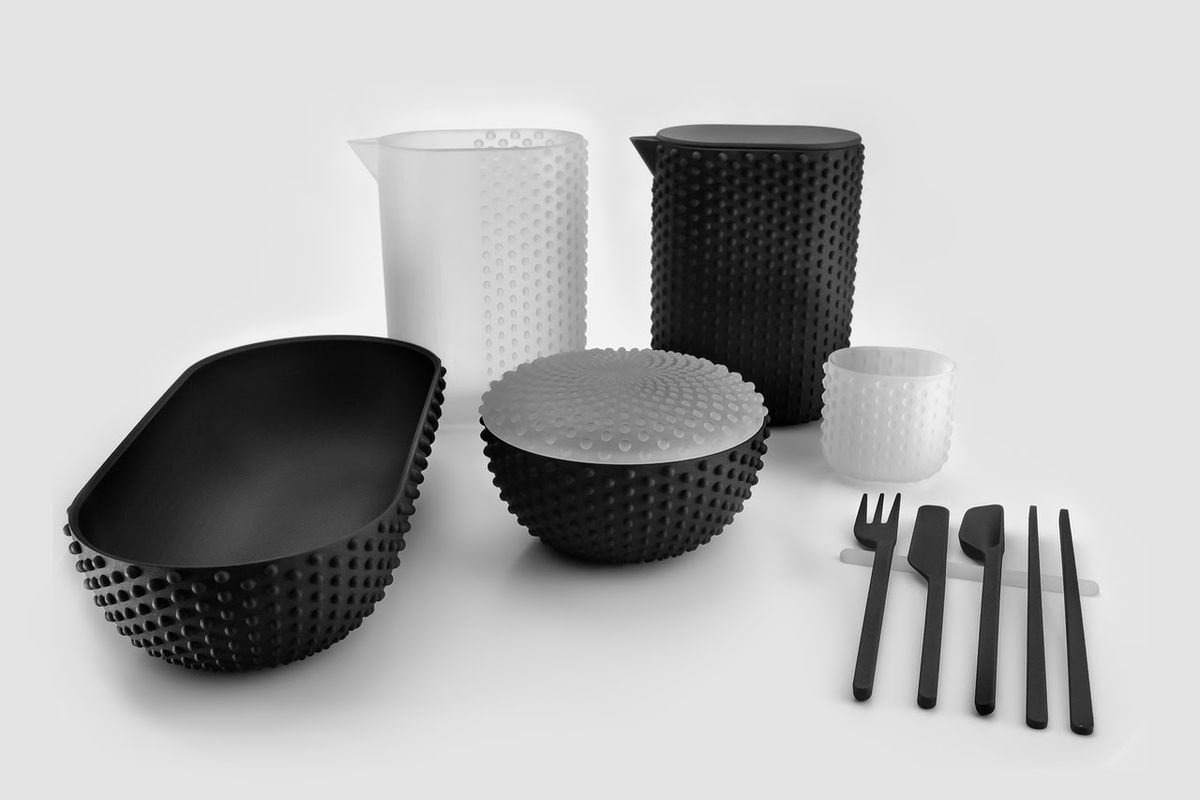 Black and white cooking vessels