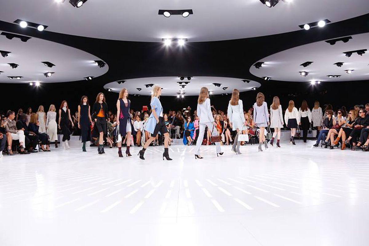"Photo: <a href=""https://www.facebook.com/Dior/photos/pb.118197471568260.-2207520000.1421360729./730533850334616/?type=3&amp;theater"" target=""_blank"">Dior</a>"