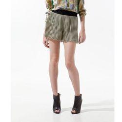 "<a href=""http://www.zara.com/webapp/wcs/stores/servlet/product/us/en/zara-us-S2012-s/244887/721013/PRINTED%2BPLEATED%2BSHORTS""> Zara printed pleated shorts</a>, $39.99 zara.com"