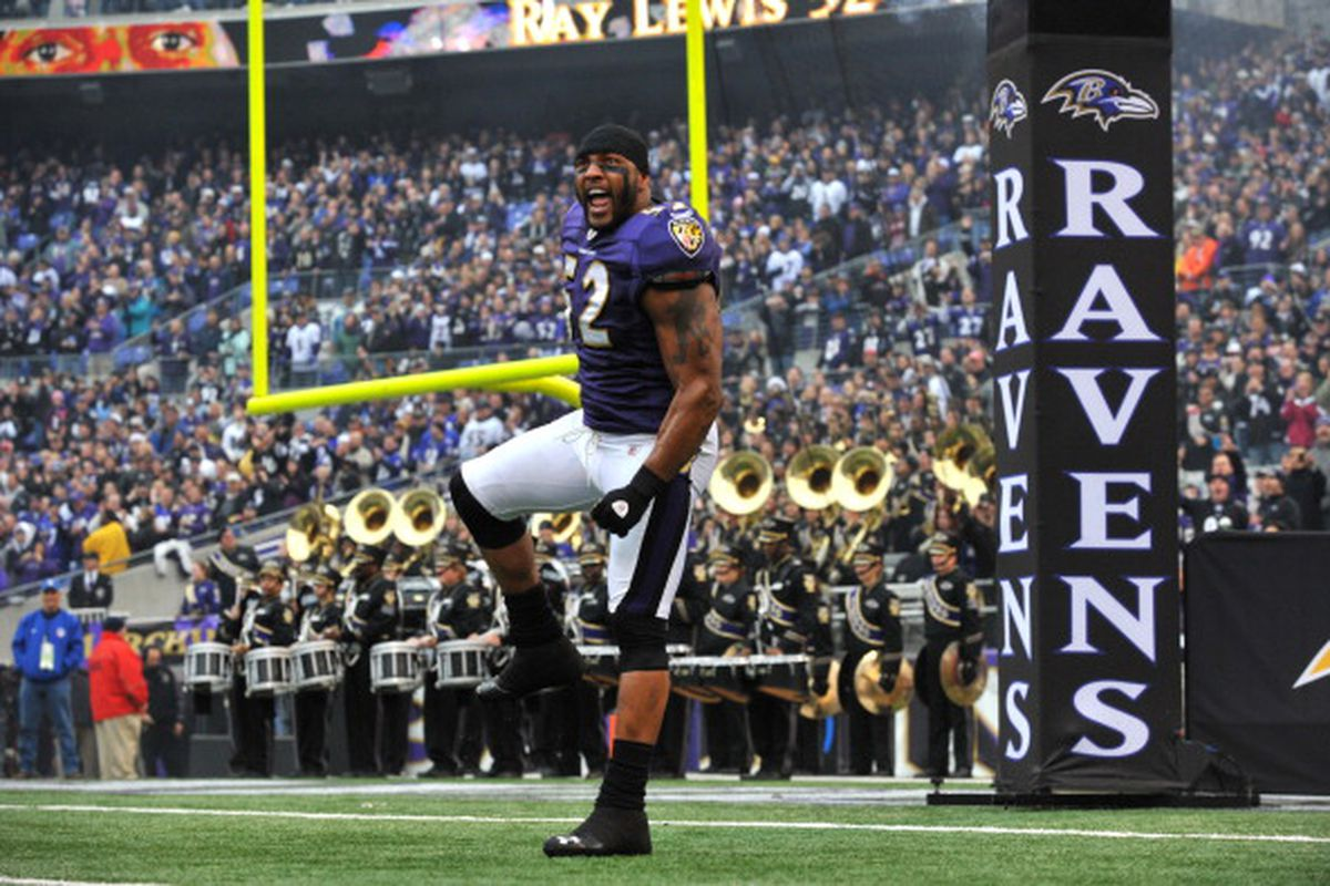 Ravens LB Ray Lewis introduced at M&T Bank Stadium