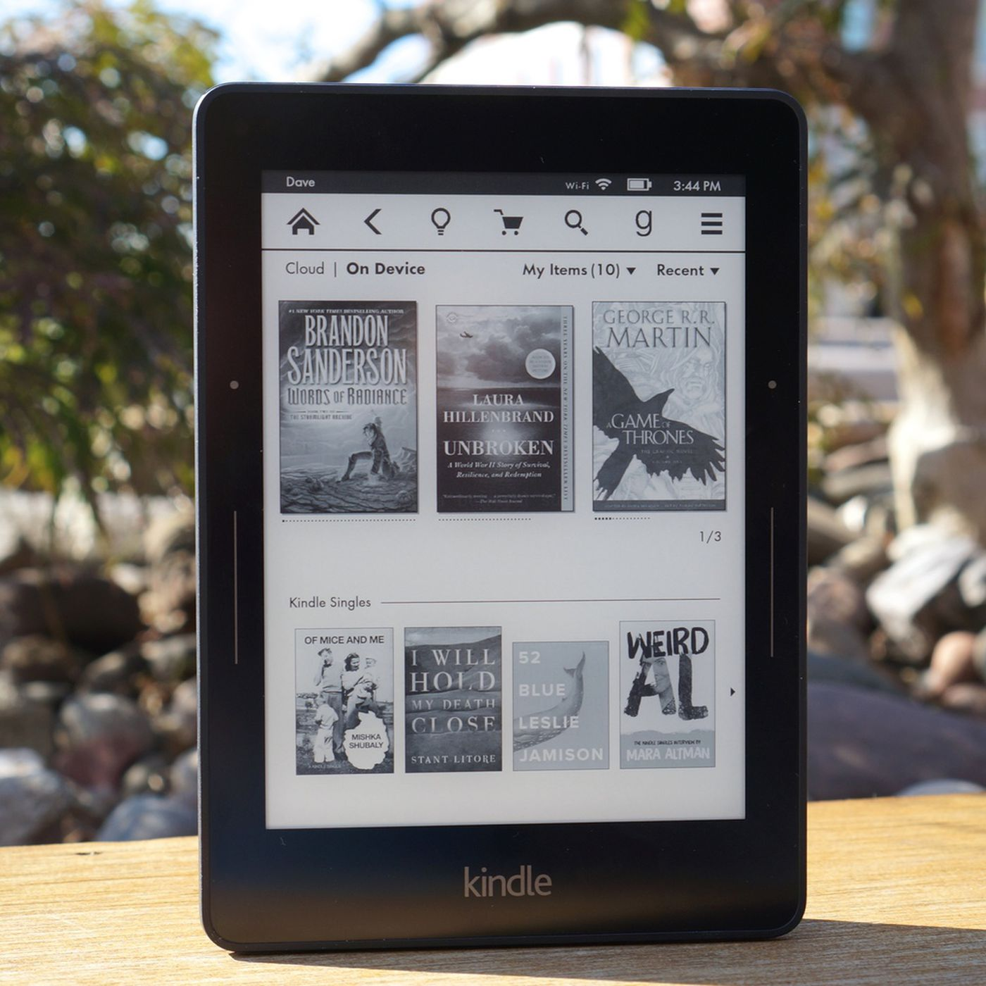 Amazon appears to have discontinued the Kindle Voyage - The